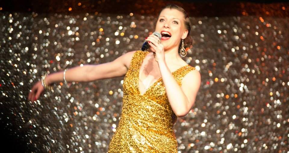 mehr Geld verdienen - Johanna auf der Bühne