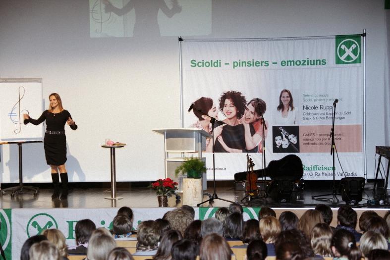 Keynote Speakerin Nicole Rupp beim Event der Raiffeisen Val/Badia
